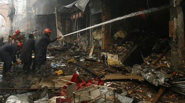 Pakistán sobrevive entre ataques de drones y coches bomba