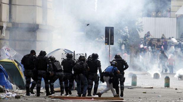 Maestros fueron repelidos con gas lacrimógeno durante violentas protestas en Río de Janeiro [FOTOS]