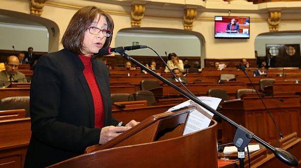 Para ministra de Salud, aumento de salarios cubre demanda de médicos