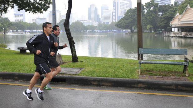 FOTOS: Ollanta Humala corrió por las calles de Bangkok en su primer día de visita oficial