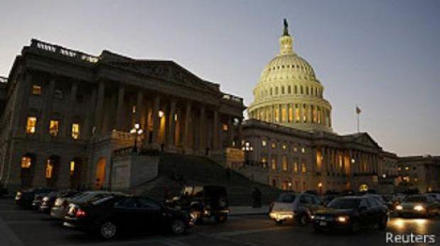 Sondeo: Economistas redujeron estimaciones de crecimiento de EE.UU.