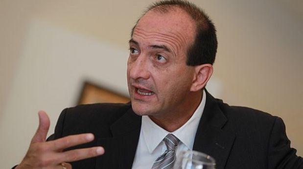 Responsabilidad por viaje de Humala a Francia recae en canciller, afirmó Eguren