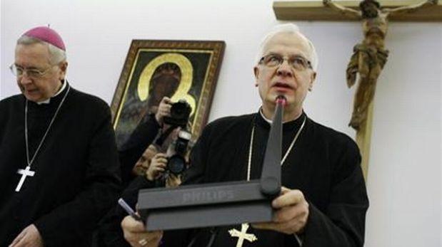 Arzobispo polaco culpó a padres divorciados por casos de pederastia en iglesia