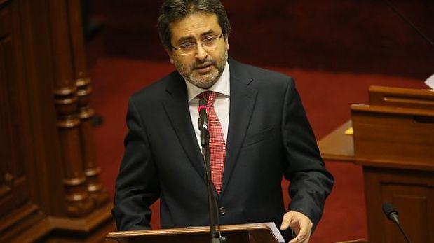 Oposición pidió que Jiménez asista a pleno por viaje de Humala a Francia