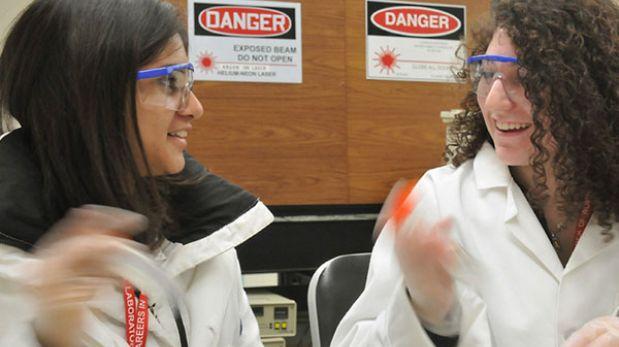 Las mujeres científicas buscan un espacio en internet