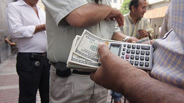 Tipo de cambio subió a S/.2,764 y Bolsa de Valores cayó levemente