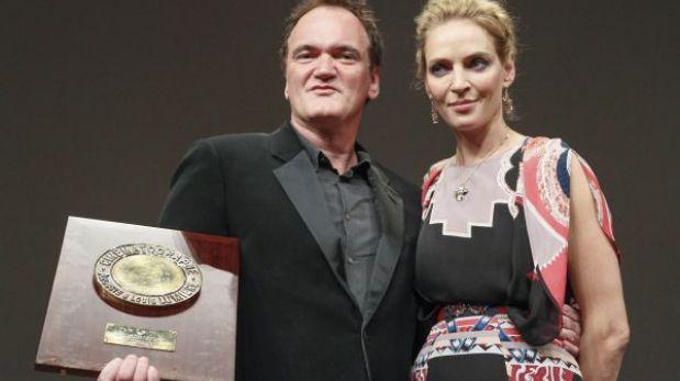 Quentin Tarantino recibió el premio Lumiére de manos de Uma Thurman