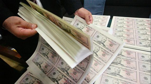 Policía incautó casi US$4 millones falsos en un hostal de Comas