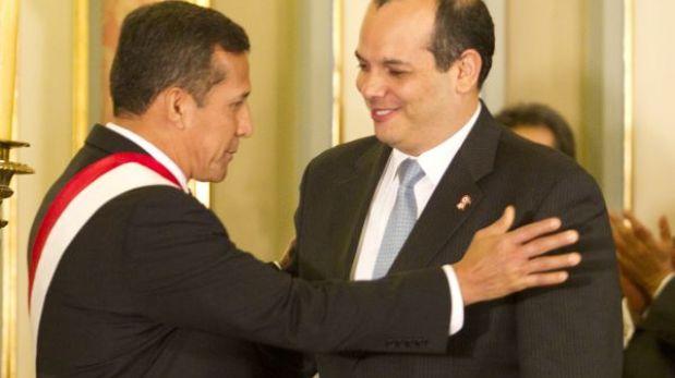 Ministro Castilla seguiría al frente de Economía en gabinete Villanueva