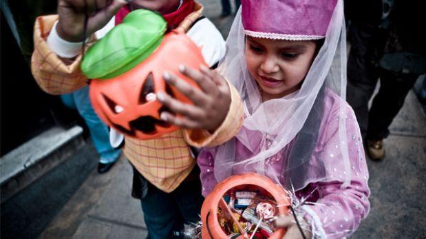 Halloween: organice una ruta en el vecindario para pedir dulces con sus hijos