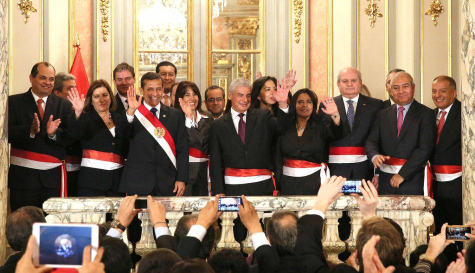 El presidente ollanta humala solo renov a dos ministros for Ministros del peru