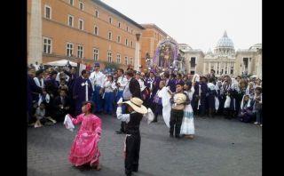 Así vivieron los peruanos en el extranjero la procesión del Señor de los Milagros [FOTOS]