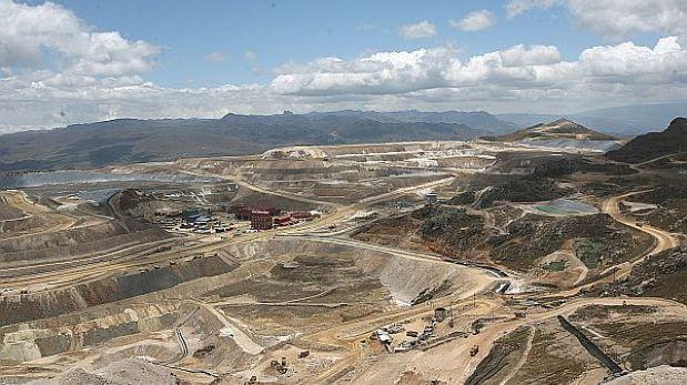 Mina de plata Uchucchacua de Buenaventura reanuda operaciones