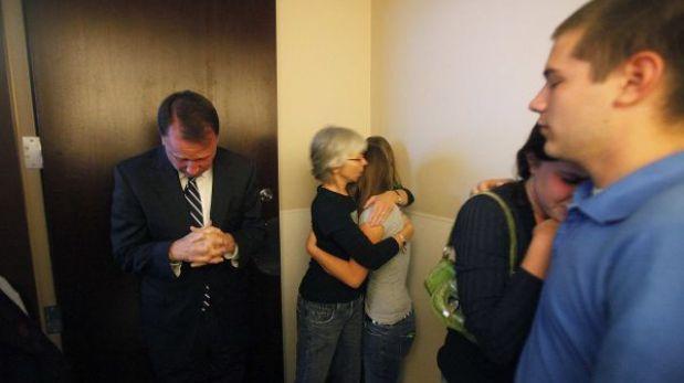 EE.UU.: Senador apuñalado habría salido de su casa para pedir ayuda