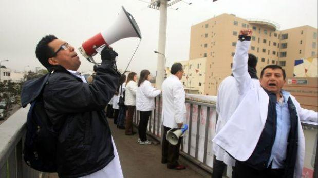 """Nueva huelga nacional de médicos del Minsa será convocada """"con toda seguridad"""""""