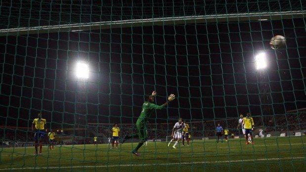 La derrota de la selección peruana Sub 18 frente a Ecuador en los Juegos Bolivarianos 2013 [FOTOS]