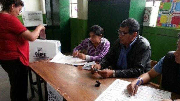 ONPE reportó 80% de mesas instaladas al mediodía en Lima
