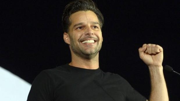 Libro de Ricky Martin encabeza lista de los más vendidos en EE.UU.