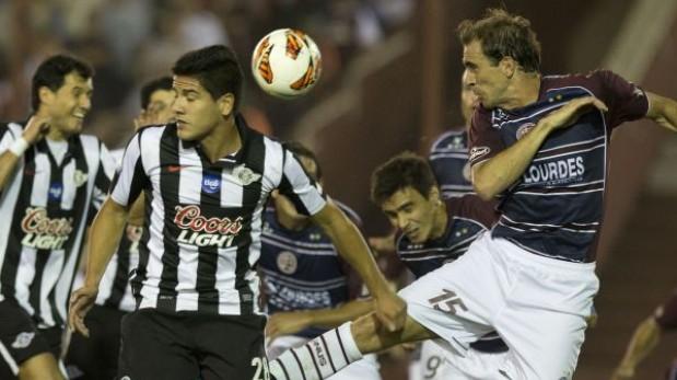Lanús superó 2-1 a Libertad y jugará la final de la Copa Sudamericana