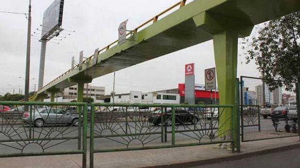 Puente peatonal de Av. Javier Prado dañado por tráiler fue reabierto