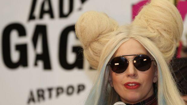 """Lady Gaga mostró sus 'Gagadoll', de tamaño natural e inspiradas en su álbum """"Artpop"""" [FOTOS]"""