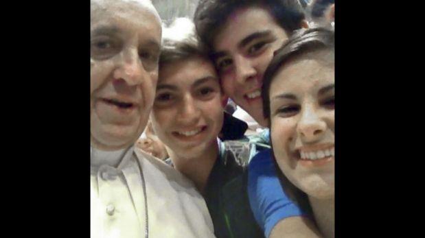 Desde el Papa a Darth Vader: los mejores 'selfies' de los famosos [FOTOS]