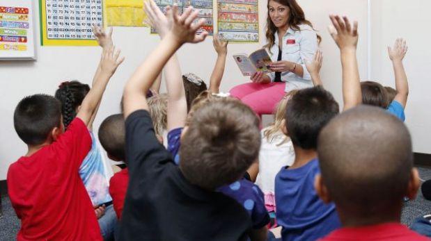 EE.UU.: suspenden a directora de colegio que prohibió hablar español a alumnos