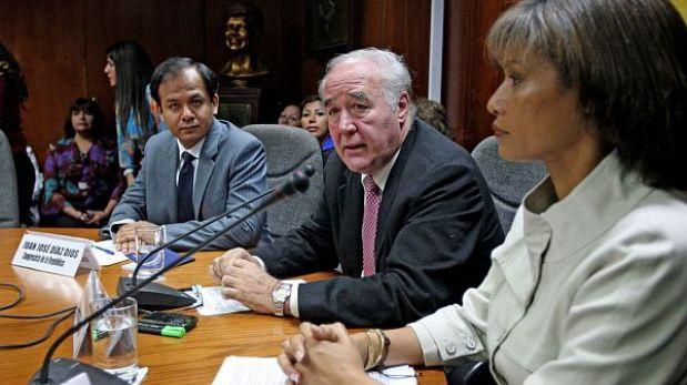 García Belaunde fue elegido para presidir comisión López Meneses
