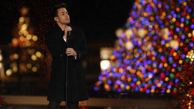 Barack Obama encendió al lado de su familia el tradicional árbol navideño de Washington [FOTOS]