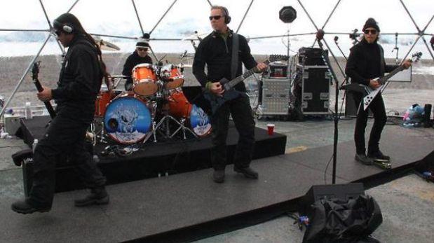 Metallica tocó por primera vez en la Antártida en un espectacular concierto