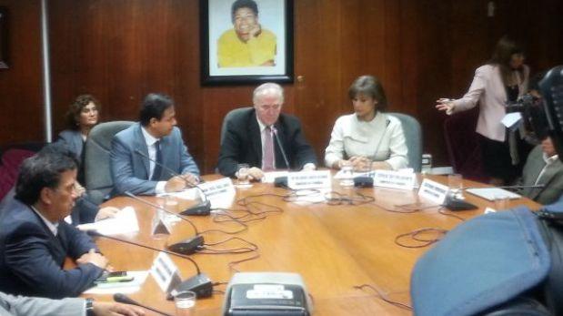 Comisión López Meneses interroga a periodista Cecilia Valenzuela en reserva