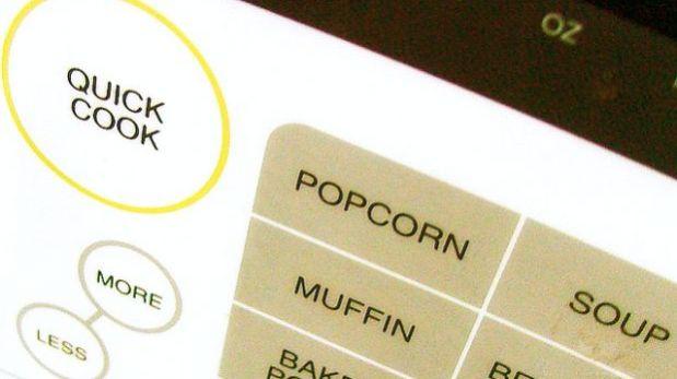 ¿Cocinar en el microondas puede hacer la comida más sana?