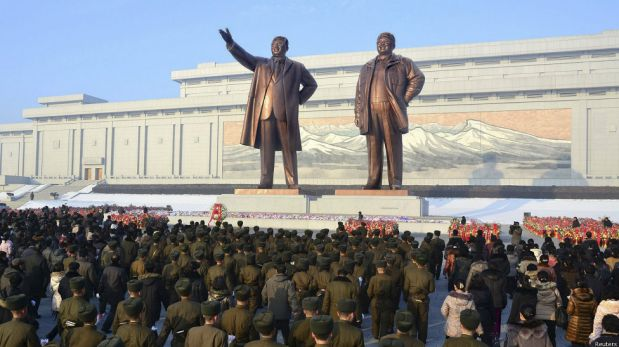 Corea del Norte conmemora la muerte de Kim Jong-il en medio de una purga interna [FOTOS]