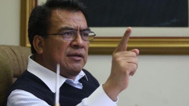 """""""Pediré que García Belaunde se aparte de la comisión"""", afirmó Velásquez Quesquén"""