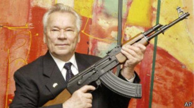Míjail Kaláshnikov: conoce al hombre que creó el arma más usada del mundo