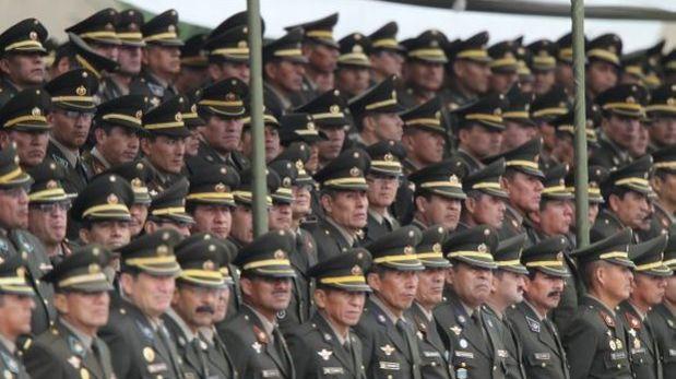 Jefes de institutos armados podrán quedarse en sus cargos hasta tres años