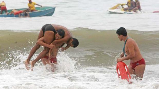 Diez personas salvaron de morir en las playas de Lima durante Navidad