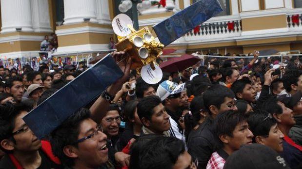 Bolivia inició el control de su primer satélite
