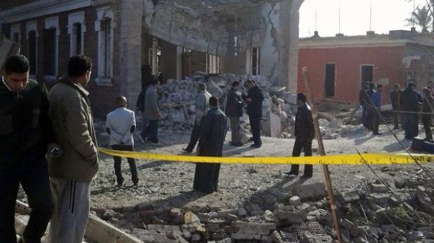 Egipto: explosión de bomba en edificio militar deja cuatro soldados heridos