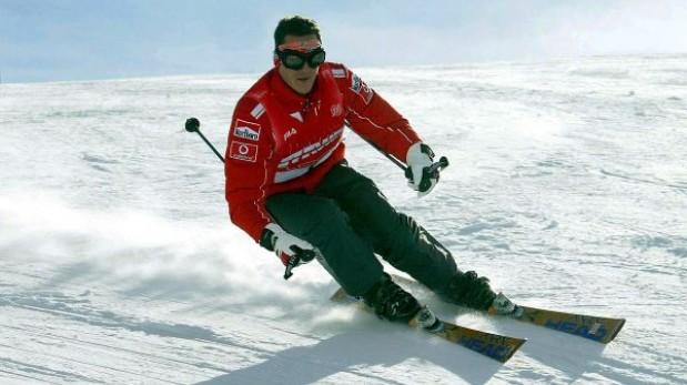 """Michael Schumacher está """"levemente mejor"""" después de segunda operación"""