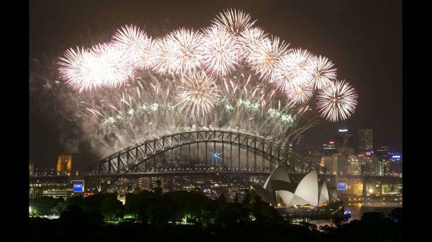 Australia celebró la llegada del Año Nuevo 2014 con este espectáculo de luces y fuegos artificiales [FOTOS]