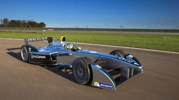 VIDEO: Prueban monoplaza eléctrico de la Fórmula E