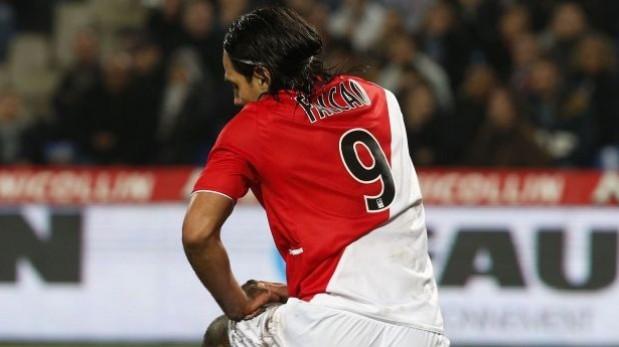 Las reacciones de futbolistas en Twitter tras lesión de Falcao
