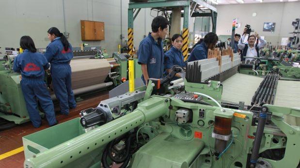 Senati: Perú necesita 300 mil técnicos en campo industrial