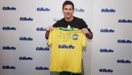 Messi recibió camiseta brasileña autografiada de parte de Pelé