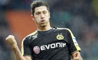 Dortmund goleó al Bremen con dos tantos de Robert Lewandowski