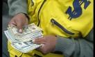 Precio del dólar sube pero la bolsa limeña cae en apertura