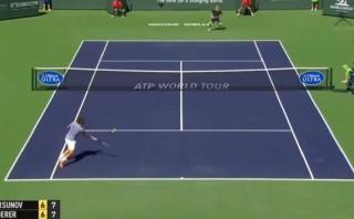Federer y su espectacular golpe para avanzar en Indian Wells