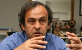 UEFA plantea eliminar contratos de fútbol con intermediarios