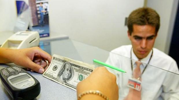 ¿Por qué los bancos cobran lo que cobran por prestarte dinero?